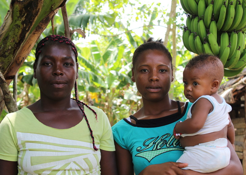Ramona Rellis Feliste and her children are some of the tens of thousands of stateless people in the Dominican Republic ©Amnesty International.