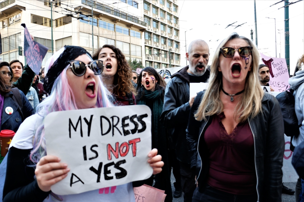Hundreds of people demonstrating against rape, sexism and female genital mutilation in Greece. Photo: Sopa Images.